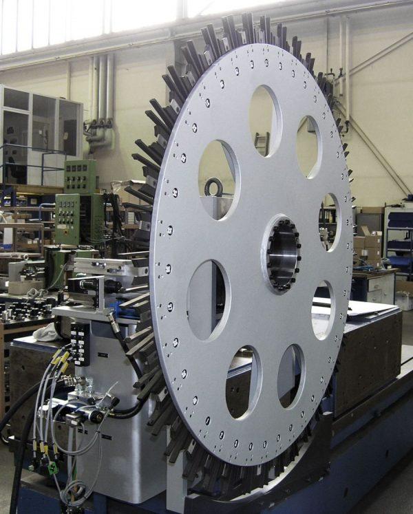 Disc magazine for horizontal machining machines